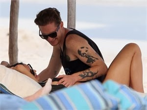 Demi Moore entertains with young lover in Mexico [Photos]