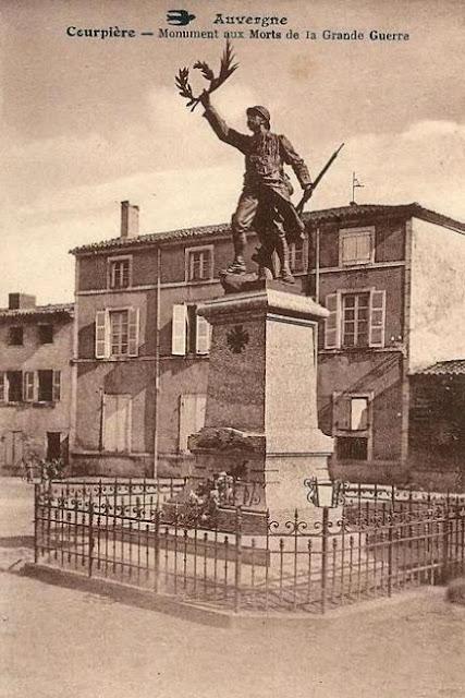 CPA monuments aux Morts du Puy-de-Dôme, Courpière