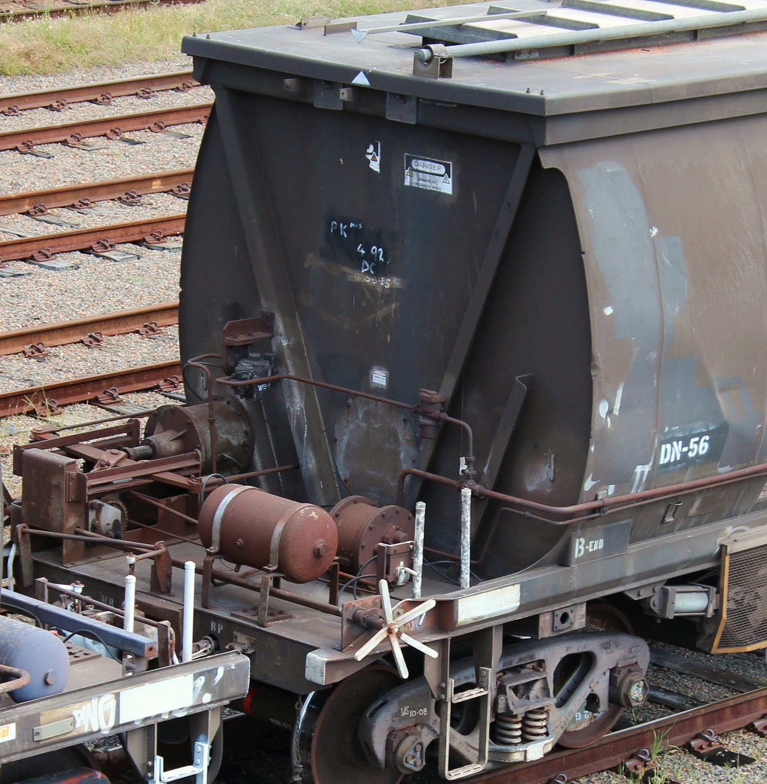 Rusted2therails: NGWF Grain Hopper