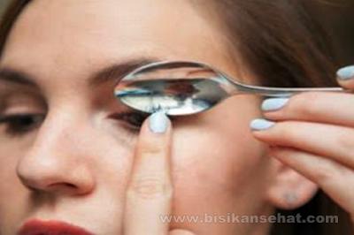 Cara Melentikkan Bulu Mata Dalam 1 Menit