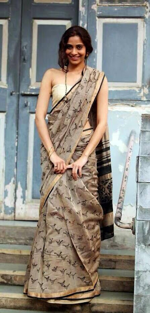 Silk saree with simple blouse designs in this collections finds inspiration in the beauty.