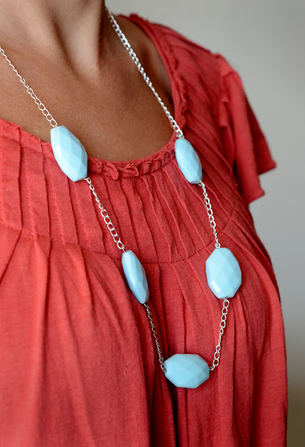 http://designfixation.blogspot.com/2012/09/simple-diy-necklace.html