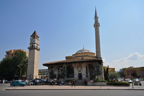 La Mezquita Ethem Bey en Tirana, Albania