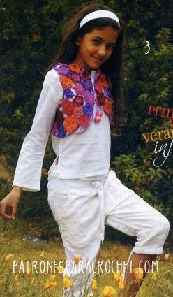Torerita o chaleco corto con motivo floral multicolor tejido a crochet
