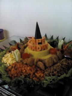 Pesan nasi tumpeng di summarecon bekasi 085692092435