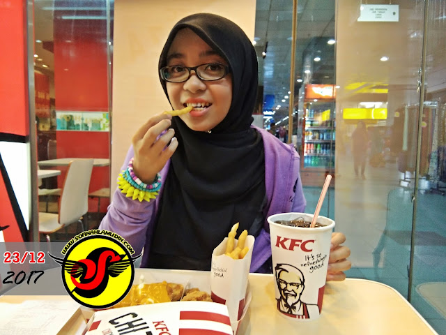Mr.Bee Mencuba Chizza KFC - Sofinah Lamudin