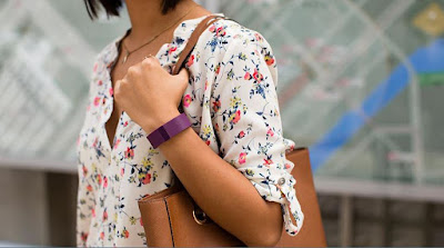 Fitbit Charge al polso