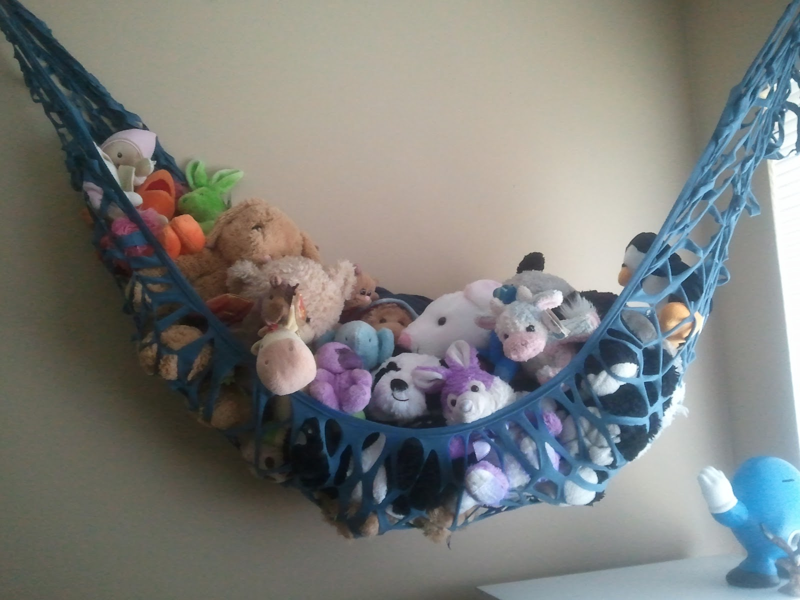 Stuffed Animal Toy Storage: Tales Of A Hunni-Bunni Fe: Super Quick Toy Storage From A