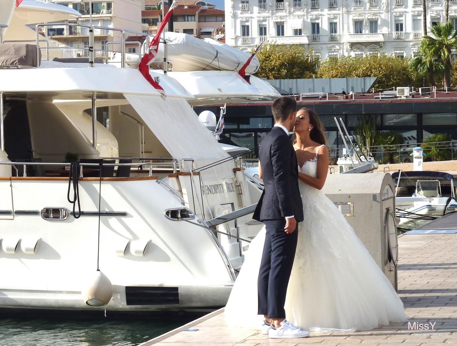 Photograff l 39 image du bonheur for Robes blanches simples pour le mariage de palais de justice