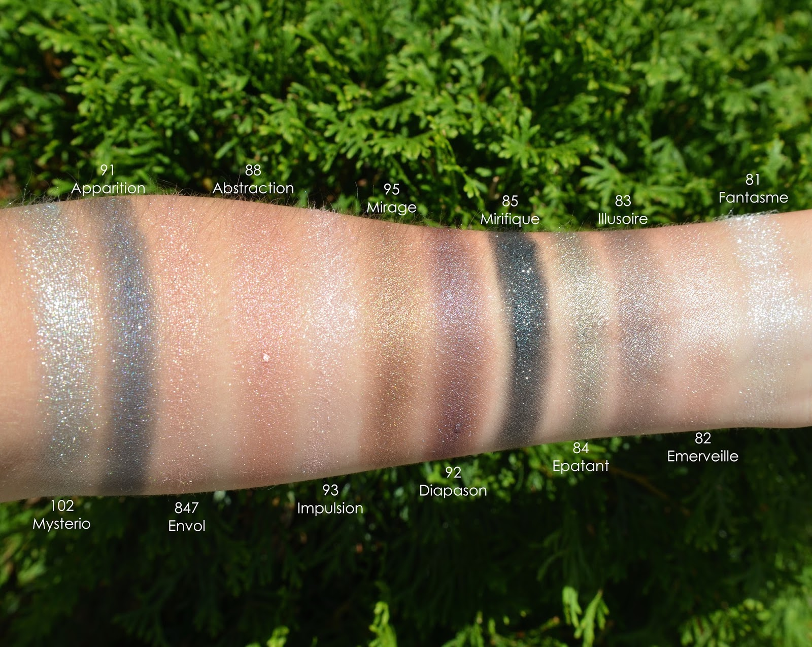 Chanel Illusion d'Ombre Swatches