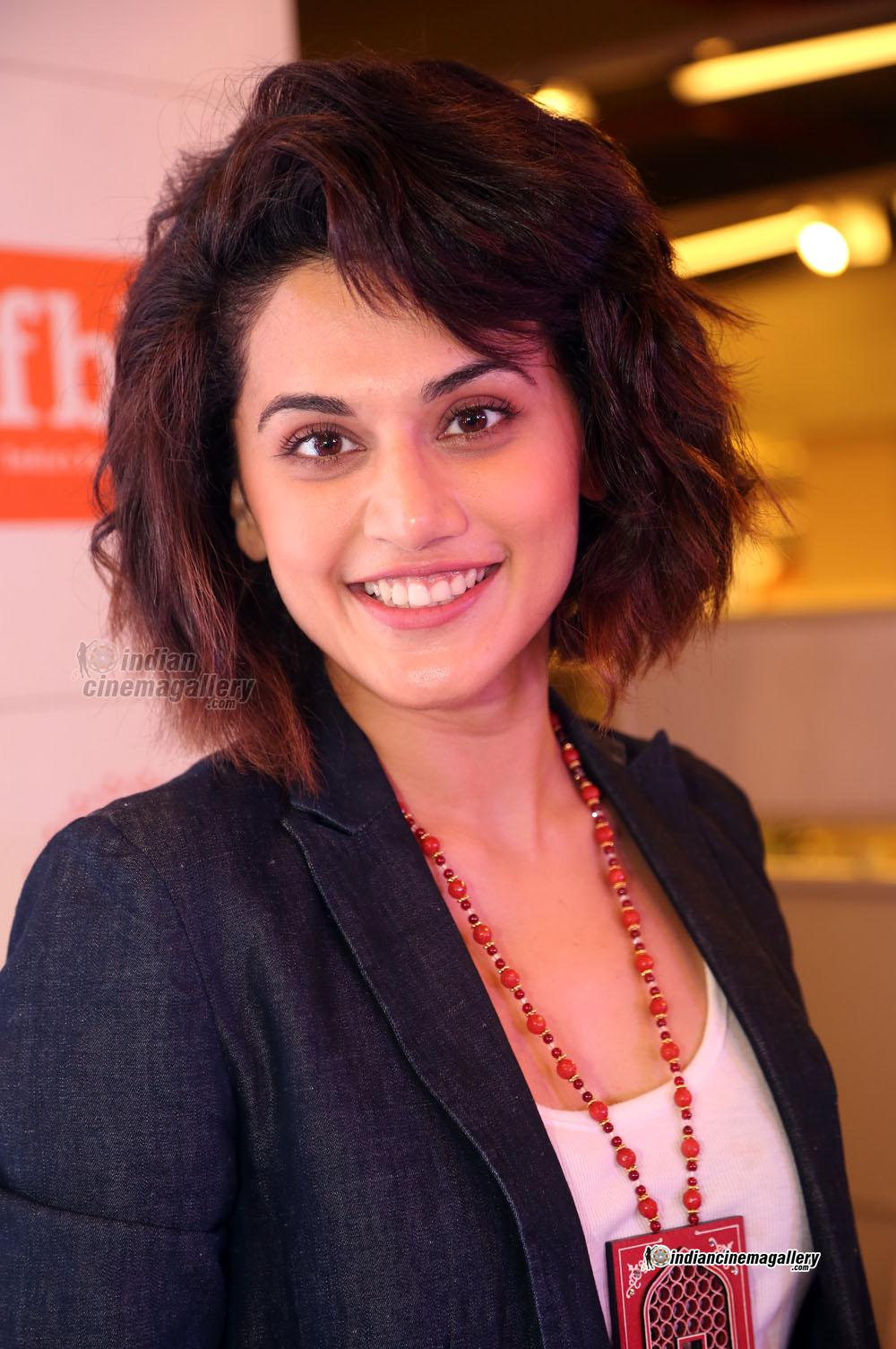 Short Haircut For Summer Taapsee Pannu Short Hairstyles