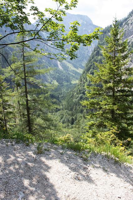 Zweitägige Wanderung von der Gsollkehre in Eisenerz über die Gsollalm zum Brandstein und weiter über Fobisalm und Hinterseeau zum Leopoldsteinersee - Abstieg im Schuss