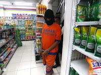 Pencuri ini Lincah Bak Spiderman, Nekat Jalan di Dinding