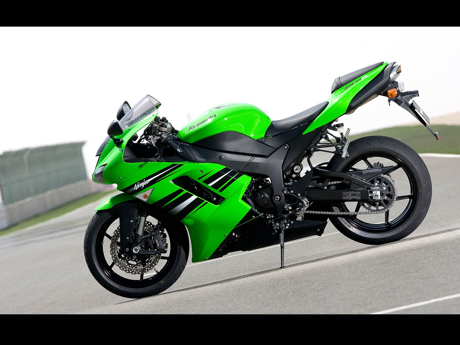 Download Free 3d Wallpapers For Windows 8 Wallpapers Kawasaki Ninja Zx 6r Bike