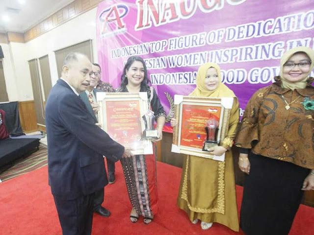 Joice Fatlolon Terima Penghargaan Indonesian Women Inspiring In Development Award 2018