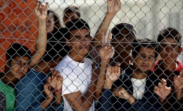 Τη μεταφορά προσφύγων στην ηπειρωτική Ελλάδα ζητούν από τον από τον πρωθυπουργό 19 οργανώσεις