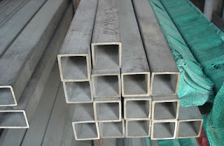 """harga besi hollow pagar per batang"""" width=""""500px""""/> Besi hollow hitam memiliki kekuatan dan ketangguahan yang membuat besi ini tahan terhadap beban dan karat. Besi hollow hitam bisa anda gunakan sebagai kerangka dalam bangunan. </p> <p>Besi hollow hita dengan kualitas yang baik bisa nada temukan di situs kami. Kami telah menyediakn besi hollow hitam dengan harga yang terjangkau dan mutu yang sangat terjamin. Jika anda berminat untuk membeli besi hollow hitam pada kami, kami akan memberikan harga spesial khusus untuk anda. Jadi segera hubungi kami untuk info harga lebih detai atau menanyakan informasi yang ingin anda ketahui tentang besi hollow hitam. </p> <h3>Daftar Harga Besi Hollow Galvanil & Galvanis</h3> <p>Besi Hollow galvanil dan galvanis kini telah banyak digunakan sebagai material utama untuk membuat sebuah bangunan. Tak hanya itu pengaplikasiaanya pada bangunan pun sangat mudah. Sehingga banyak orang yang menggunakan besi hollow jenis galvanil atau galvanis ini. </p> <p>Harga yang dimiliki oleh besi hollow galvanil atau galvanis ini berkisaran 15.000 hingga 20.000 per meter nya. Tentu harga ini akan berubah-ubah sewaktu-waktu sesuai dengan meningkatnya kebutuhan masyarakat dalam penggunaan besi hollow ini. Kami menyediakan besi hollow galvanil atau galvanis ini dengan berbagai ukuran yang bisa anda pilih. Kami siap melayani anda kapanpun dan dimanapun anda tinggal. Karena, kami berkerjasam denga distributor besar yang ada di seluruh pelosok daerah di Indonesia. </p> <h2>Cara Pasang Rangka Besi Hollow</h2> <p>Cara meemasang rangka besi hollow agak sedikit rumit, karena anda harus menghitung dengan detail dari ukuran, besar dan kecilnya. Anda bisa menggunakan besi hollow sebagai pelengkap penggunaan rangka atap bangunan yang tentunya akan terlihat lebih kokoh dan bagus di banding dengan besi lainnya. Desain besi hollow yang minimalis mebuatnya semakin memiliki nilai keindahan yang tinggi. </p> <p>Besi hollow untuk rangka bisa anda pesan pada situs kami. Kelen"""