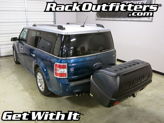 Ford Flex with Thule 665C Transporter Combi Hitch Mounted