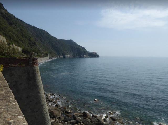 la costa tra Corniglia e Manarola