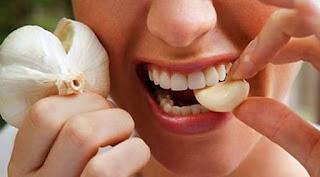 12 Cara Mengobati Gigi Berlubang Secara Alami