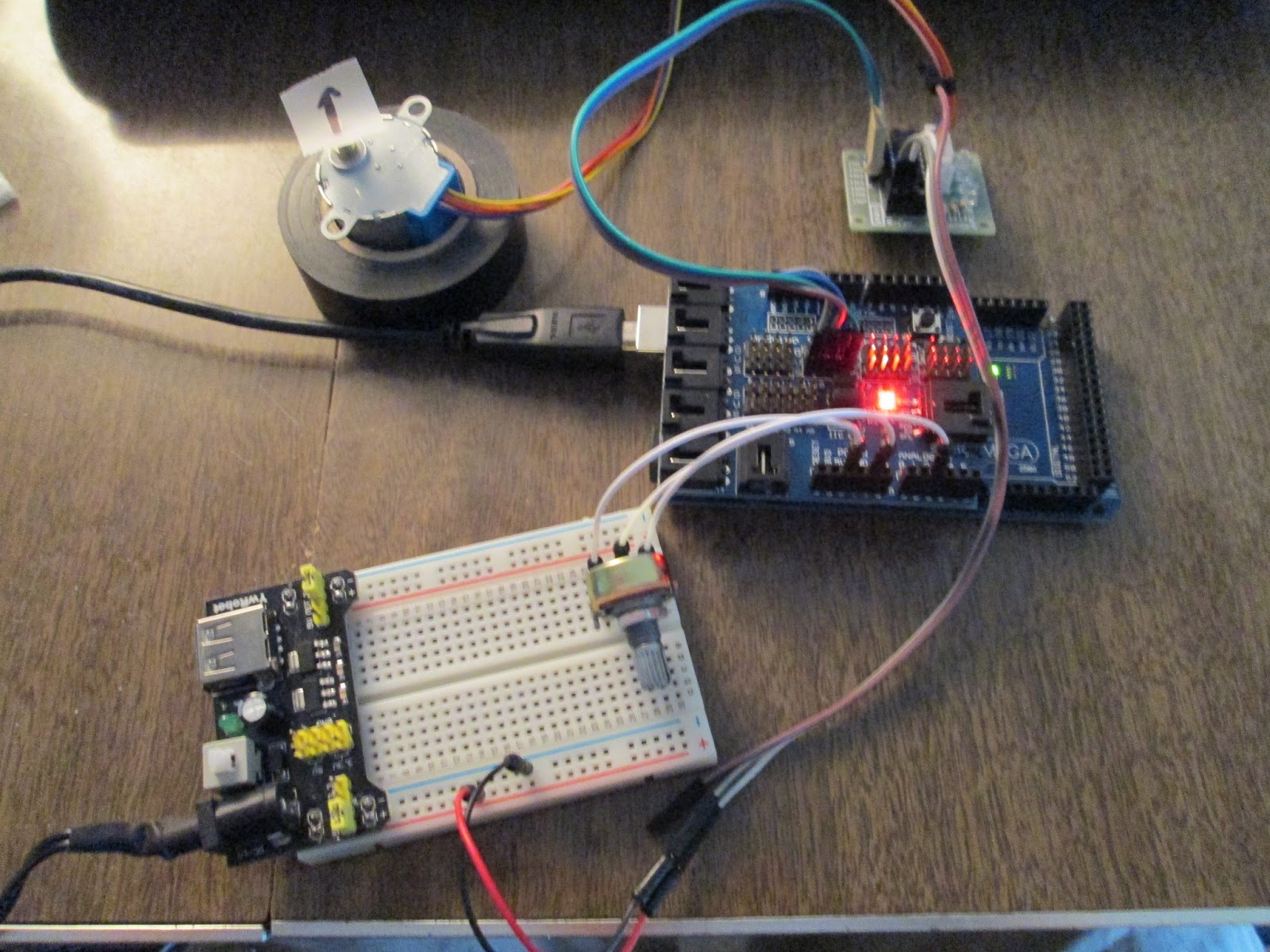 Projects from Tech: Stepper Motors and Arduino: 28BYJ-48