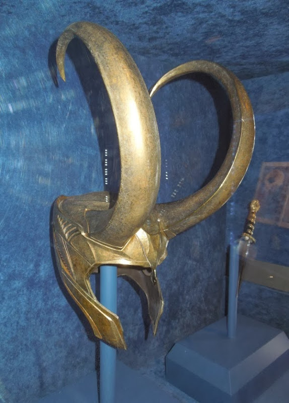 Loki helmet Thor Dark World