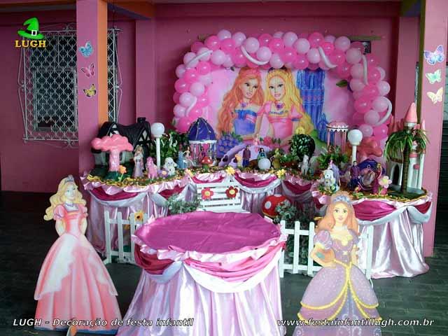 Decoração Tradicional luxo forradas com toalhas de tecido pano de cetim tema Barbie e o Castelo de Diamantes - Aniversário infantil feminino