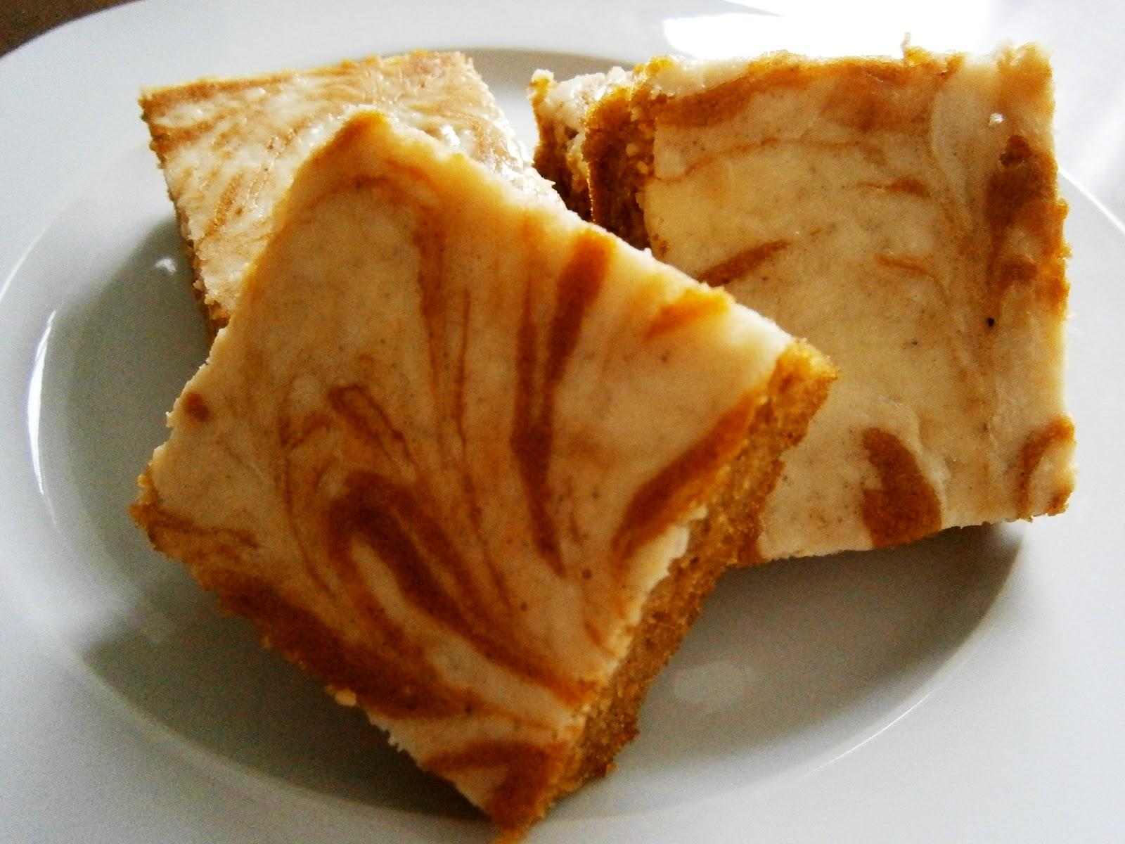 Pumpkin Cream Cheese Swirl Bars