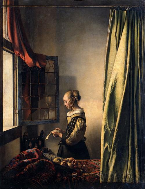 Moça lendo uma carta à janela, por Vermeer. #PraCegoVer