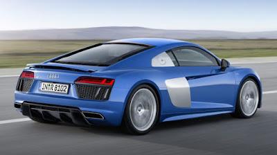 Audi R-8 Models: Coupe-Spyder