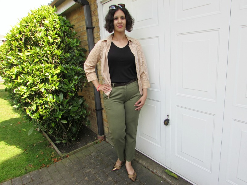 How to wear khaki trousers