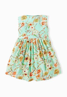 913ac4a83 مدونات إيلاف : 10 موديلات حديثه من ملابس بنات وفساتين الاطفال من ...