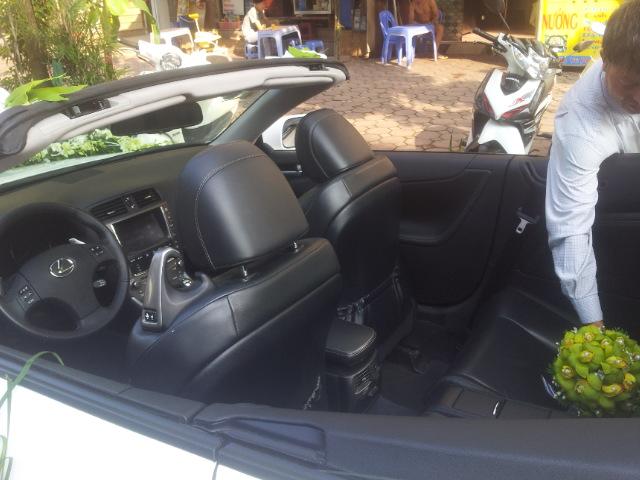 cho thuê xe cưới mui trần Lexus is250 cap cấp giá rẻ tại Hà Nội