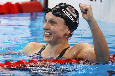 http://www.dailymail.co.uk/news/article-3738436/Katie-Ledecky-sets-new-world-record-smashes-competition-800m-freestyle-half-lap.html