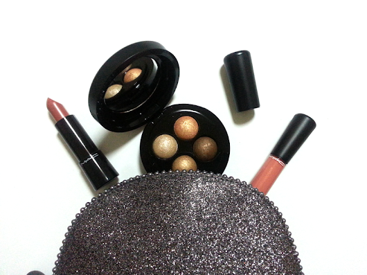 MAC Keepsakes Gold Lip & Eye Bag
