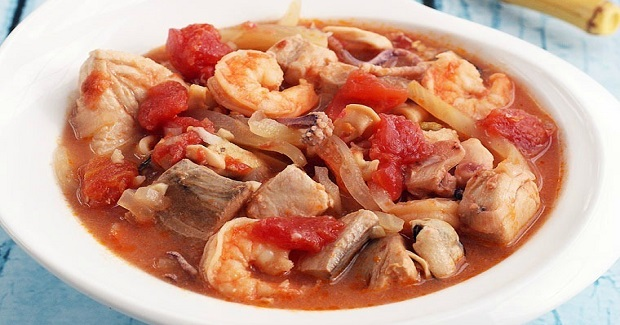 Easy Cioppino Seafood Stew Recipe