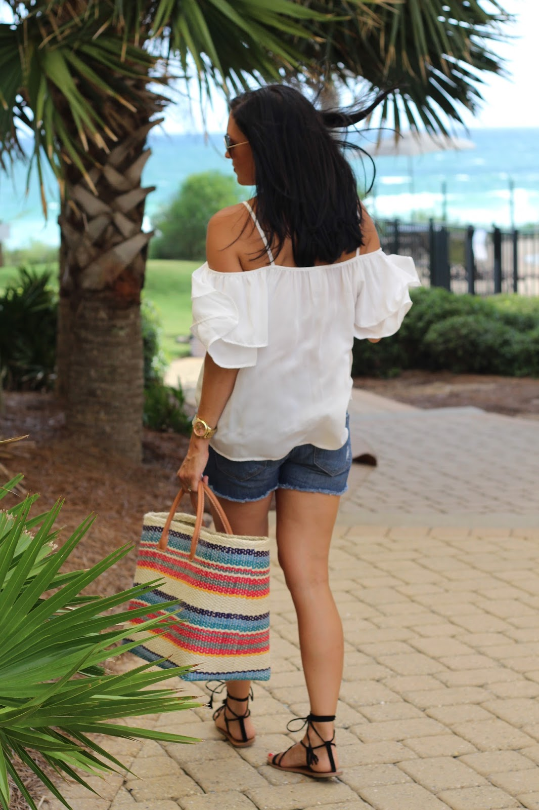 J Jill straw tote, beach style, white cold shoulder