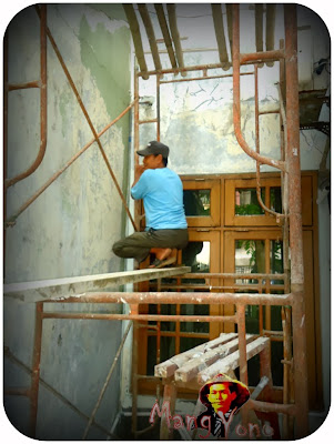Cara - cara mengecat dinding rumah memakai cat murah tapi berkualitas dan tahan lama.