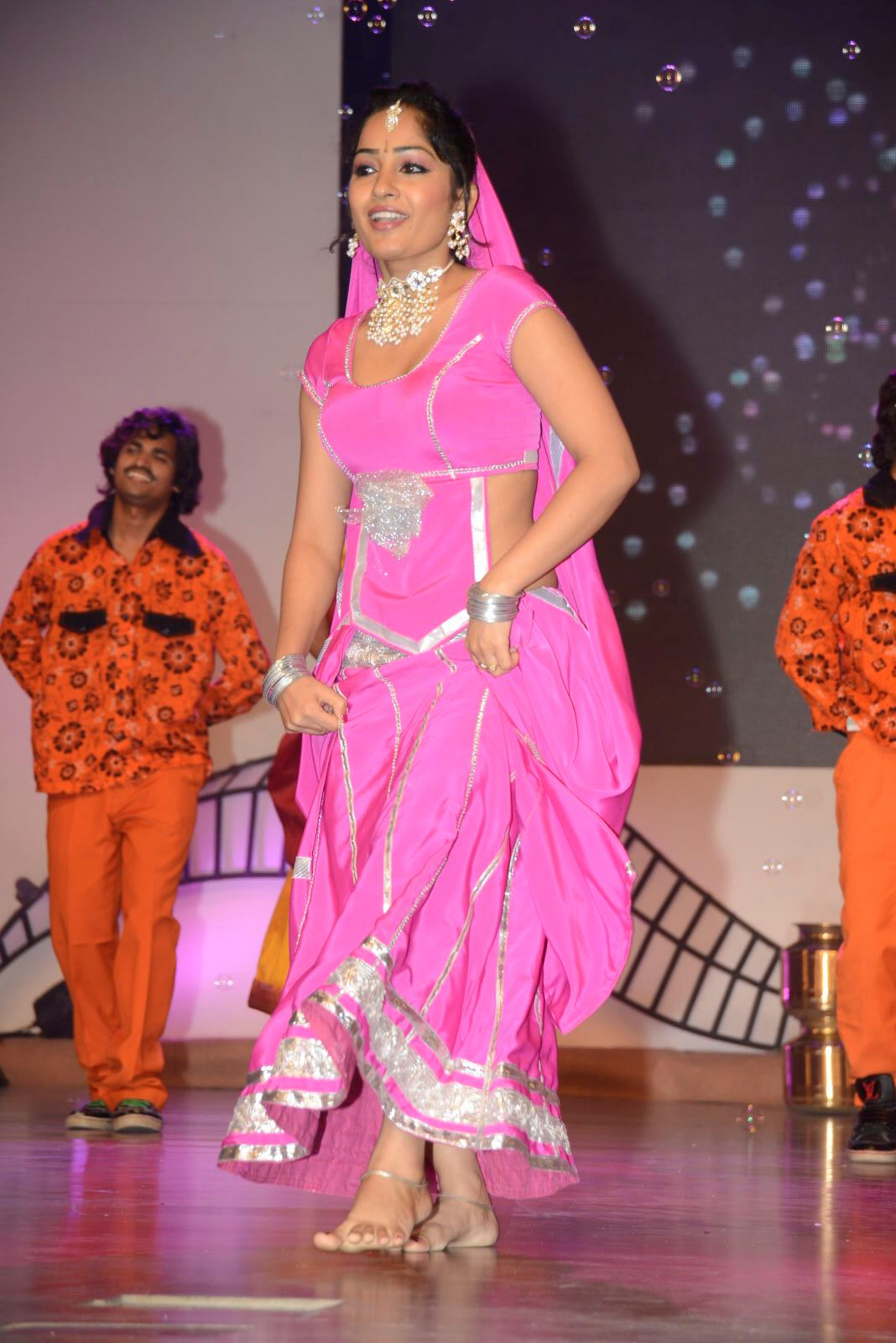 nice and pleasant Madhavi latha spicy in pink saree photo gallery