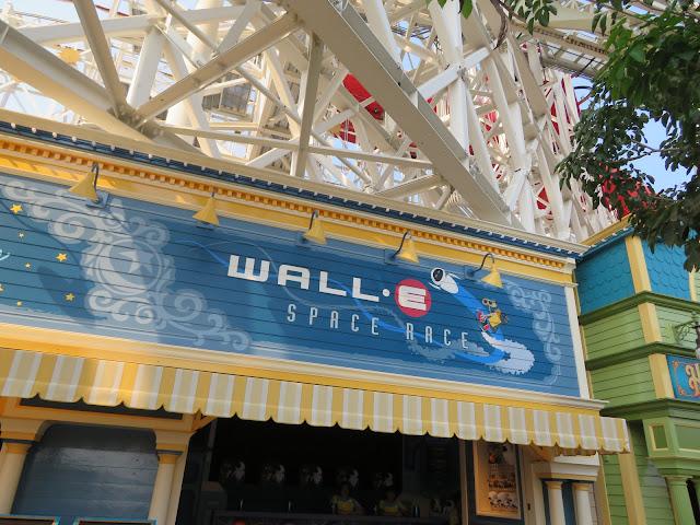 Walle Space Race Pixar Pier Disneyland