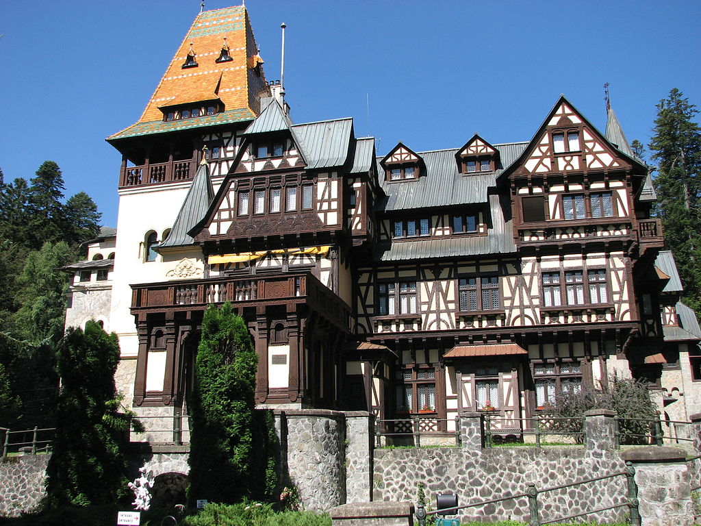 The nearby Pelisor Castle was originally intended to be the residence of the future King Ferdinand, King Carol I's nephew. Photo: WikiMedia.org.
