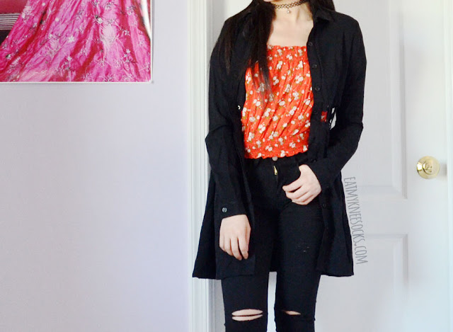 Edgy grunge outfit featuring SheIn's distressed black skinny jeans with knee rips.