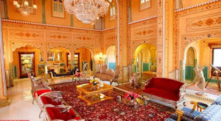 Raj Palace Hotel (US $ 43.000)