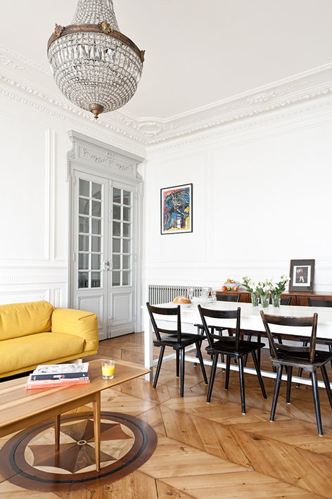 Appartement ancien r nov dans un style contemporain for Decoration salon salle a manger appartement
