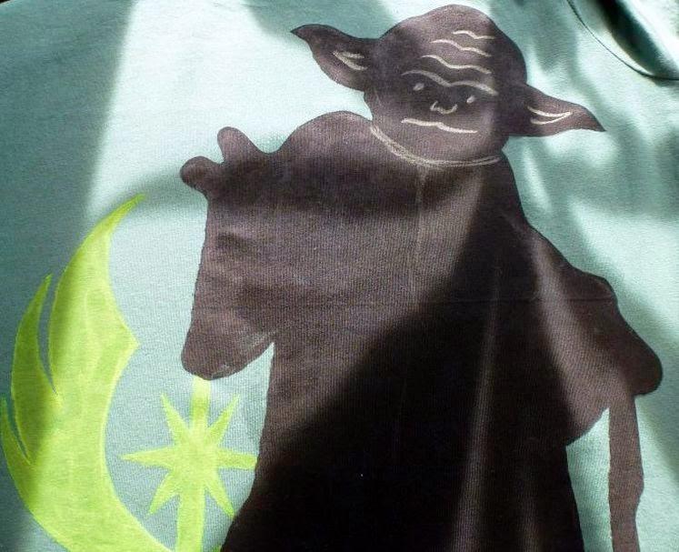 Yoda Shirt mit Kreide bemalt