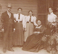 The family of George and Adele Brownlow of Knoxville, TN. Daughters Edith, Mabel and Mary Louise. Photo from Ancestry.com, shared by S. Kear.