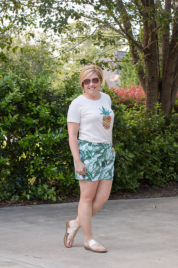 summer outfit, pineapple tee