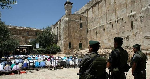 Klaim Temukan Bom, Tentara Israel Tutup Masjid Ibrahimi