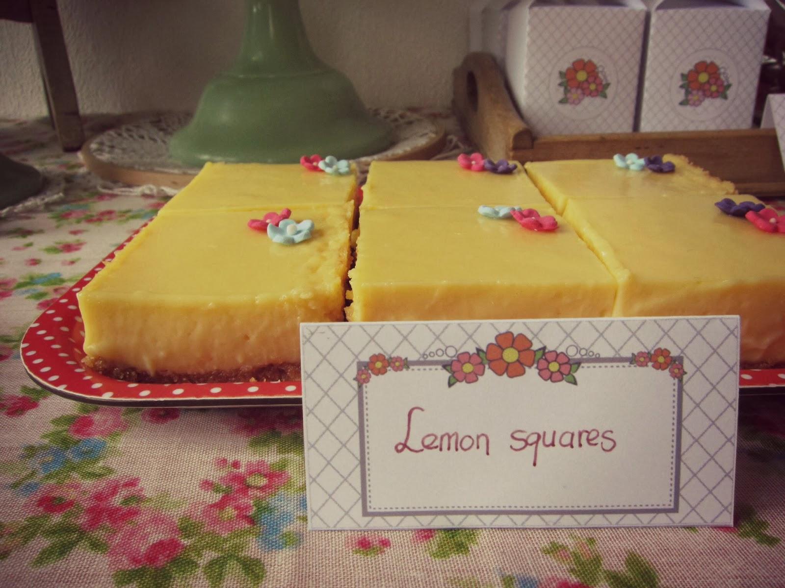 plateau de flan au citron decoration fleurie