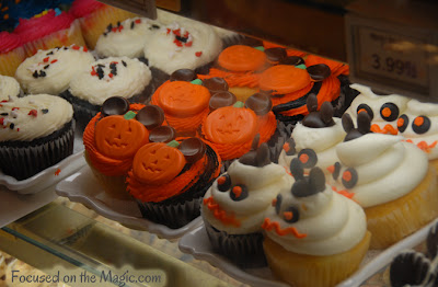 Disney Halloween Cupcakes Focused on the Magic
